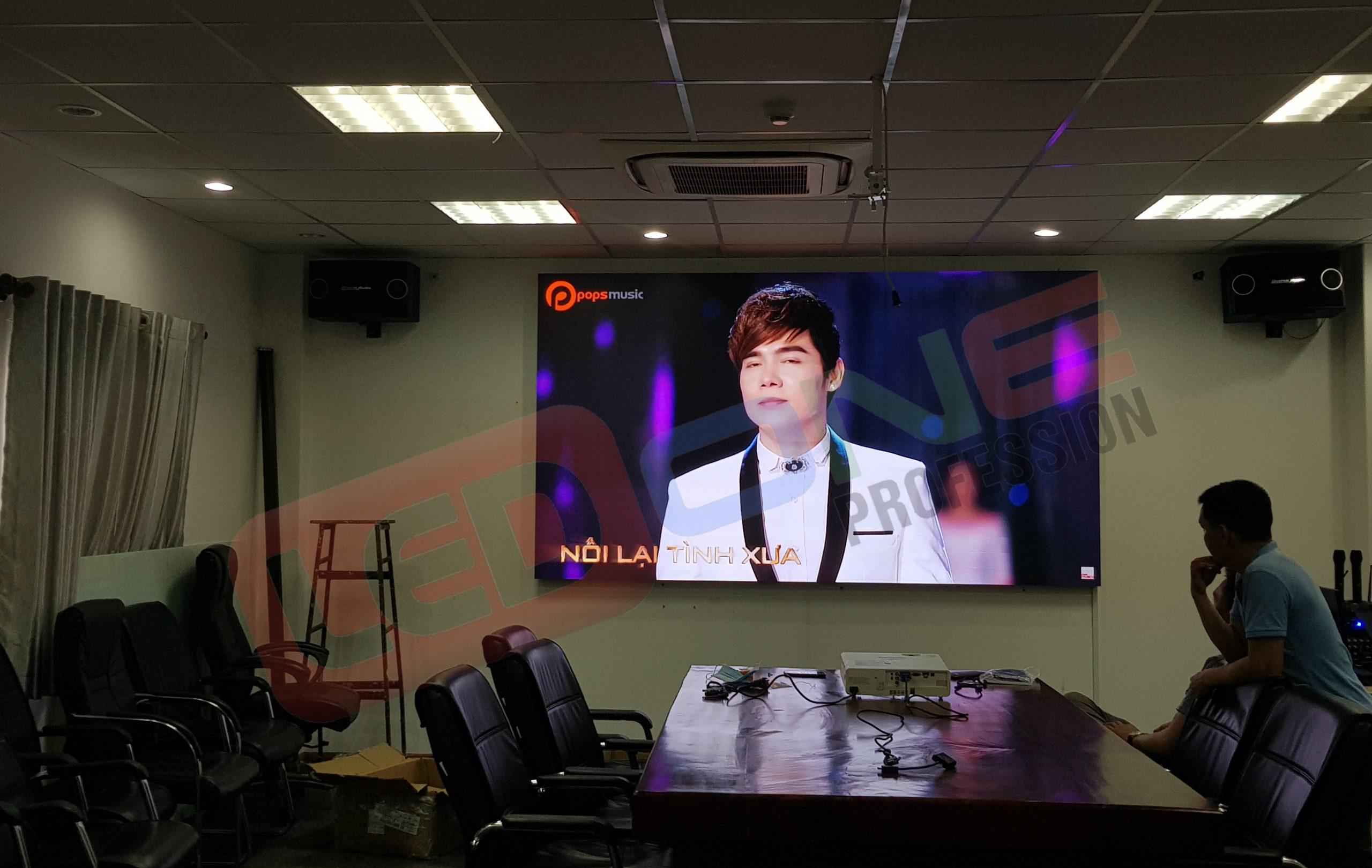 thi công màn hình LED P1.8