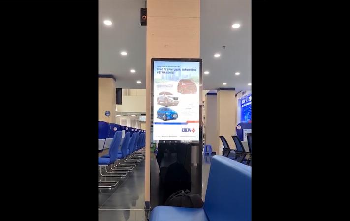 màn hình LCD 43 inch chân đứng BIDV Tây Ninh