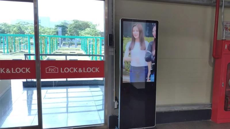 màn hình lcd chân đứng 43 inch usb tại Lock & Lock Bắc Ninh