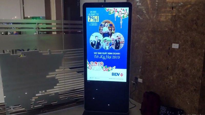 cho thuê lcd chân đứng 55 inch tại BIDV Lê Đức Thọ