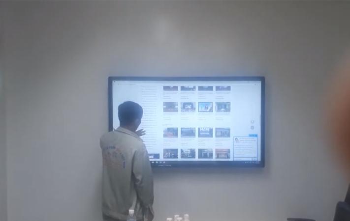 màn hình lcd 65 inch cảm ứng tại KCN Vsip1 Bình Dương