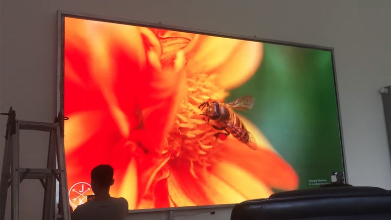thi công màn hình LED P1.6 tại công ty xuân thiện