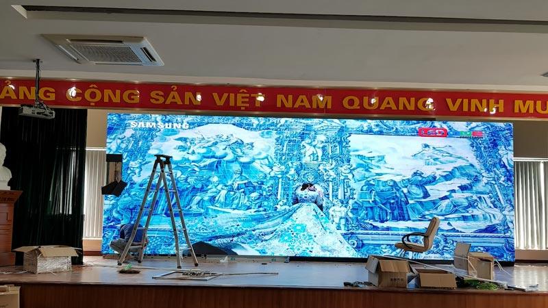 Màn hình LED P2 khu CNC Láng Hòa Lạc - Phượng Hoàng Xanh.