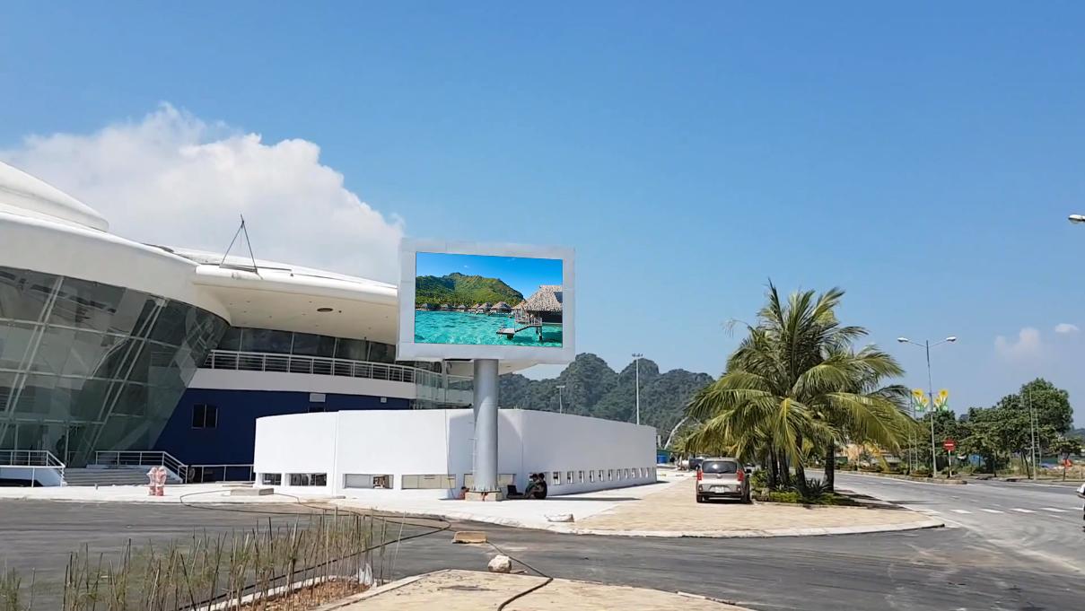 Thi công màn hình LED P8 ngoài trời tại cung quy hoạch hội trọ chiển lãm - Quảng Ninh