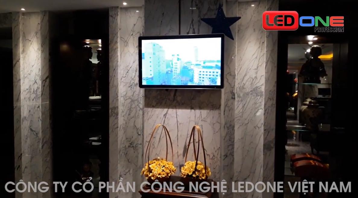 """Ledone lắp LCD quảng cáo 32"""" USB treo tường tại nhà hàng 105 nguyễn trường tộ"""