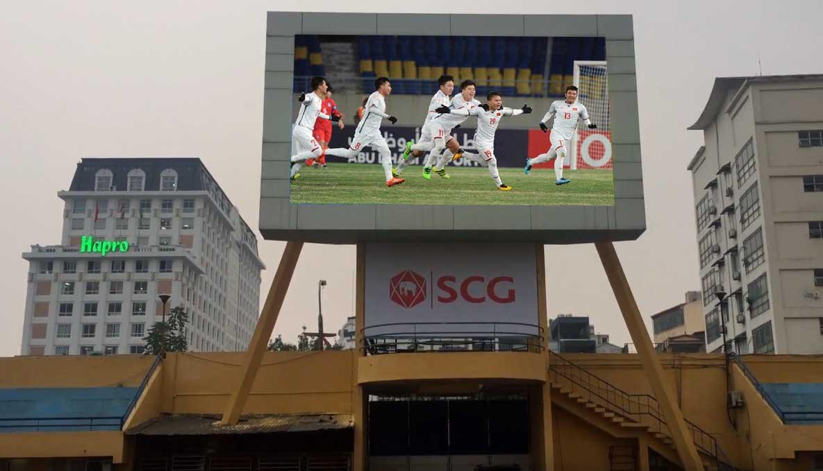 Màn hình LED P16 ngoài trời tại sân vận động Hàng Đẫy với diện tích 50m2