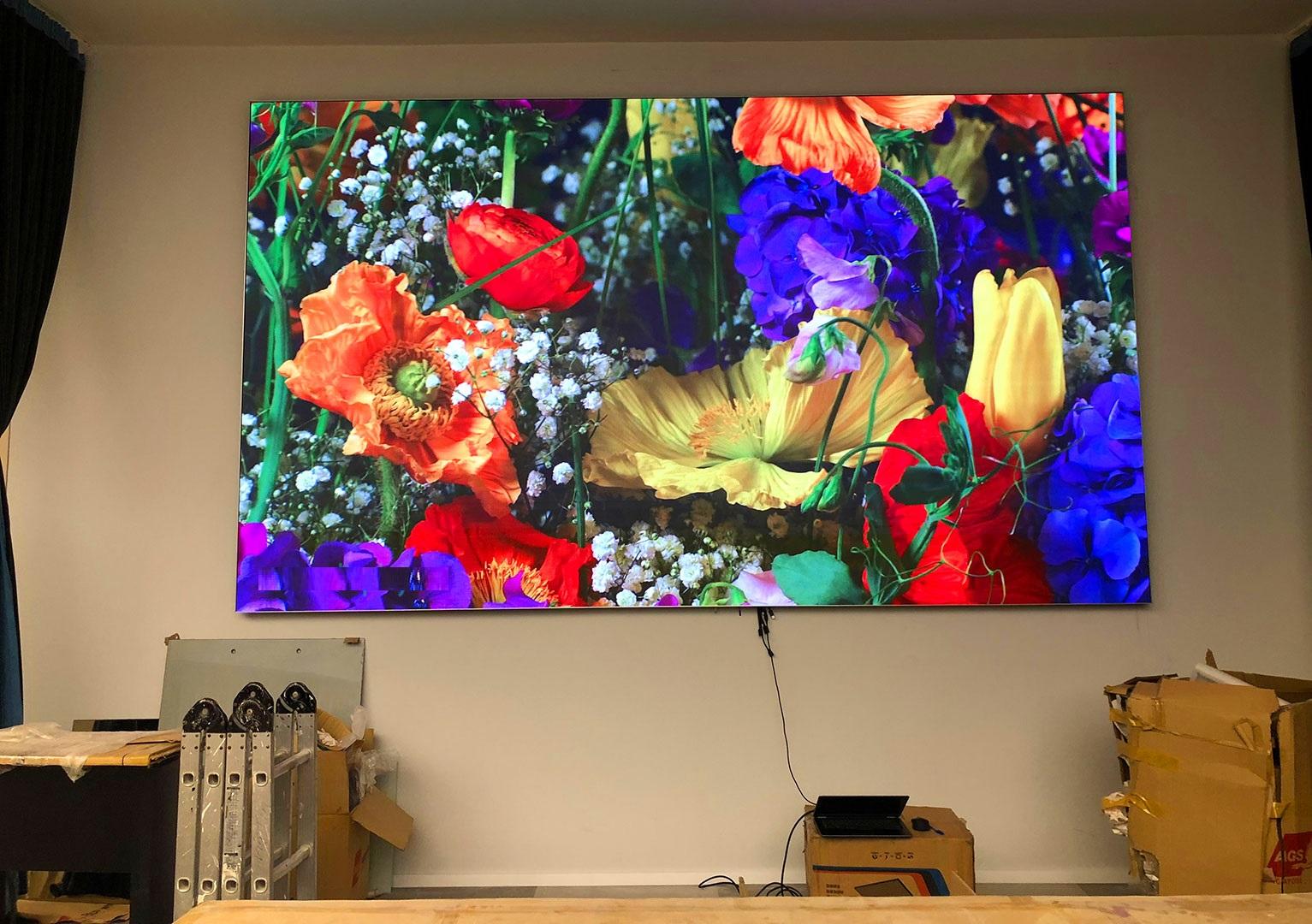 Màn hình LED P2.604 trong nhà với độ làm tươi cao, không gây sọc, nhiễu khi trình chiếu