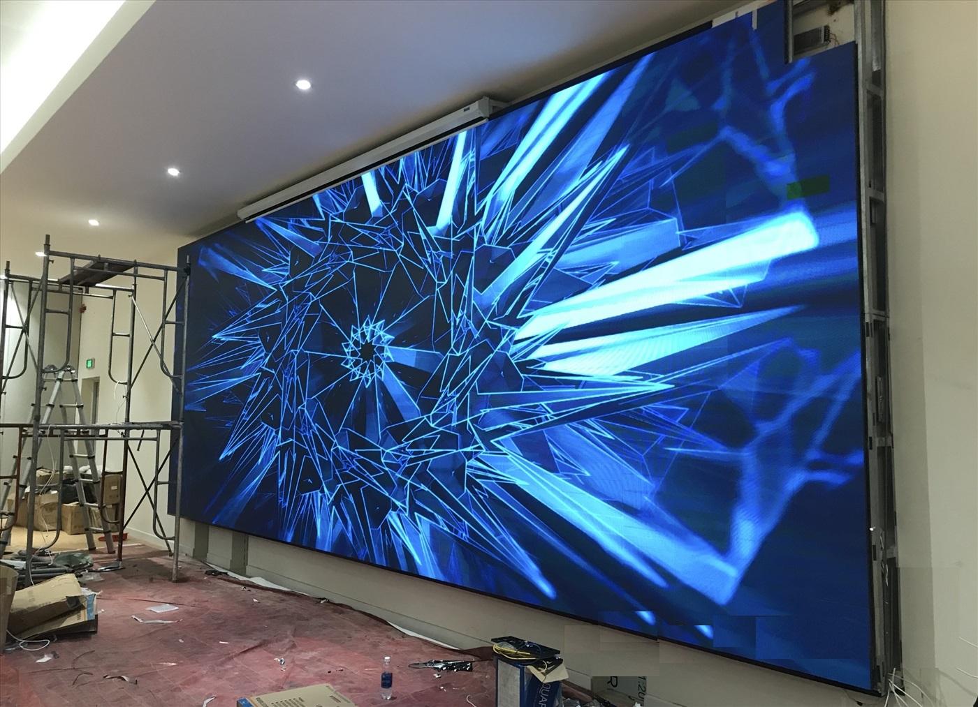 Quá trình thi công lắp đặt màn hình LED P2.604 trong nhà