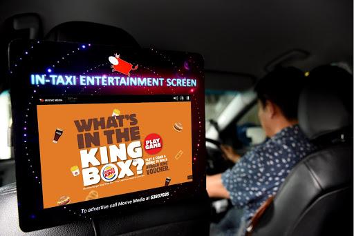 Màn hình quảng cáo tích hợp sau xe ô tô