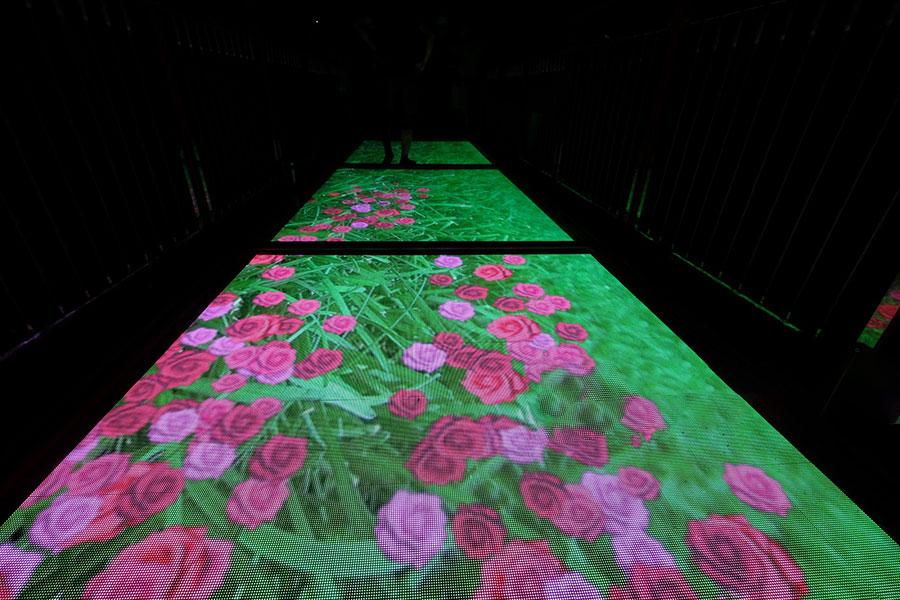 Ứng dụng của màn hình LED tương tác trong công trình cầu kinh tại Mộc Châu