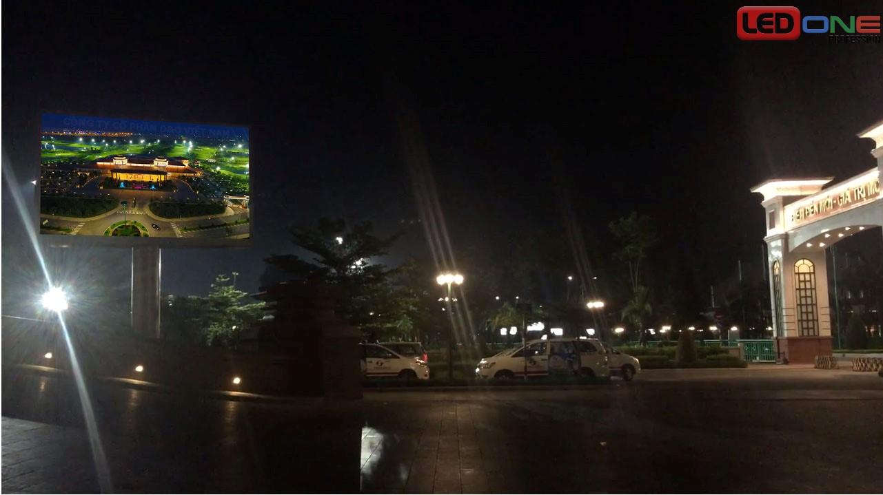 Thi công màn hình LED P3.91 ngoài trời tại sân Golf Tân Sơn Nhất