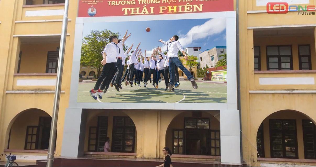 Thi công màn hình Led P4.81 ngoài trời tại trường THPT Thái Phiên - Hải Phòng
