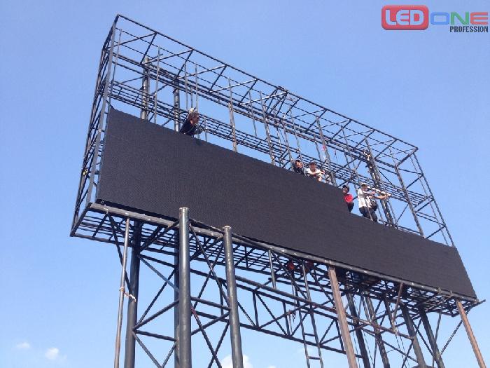 Quá trình thi công màn hình LED P4 ngoài trời tại Đền Hùng - Phú Thọ