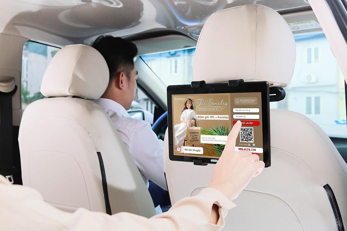 Màn hình quảng cáo sau ghế ô tô
