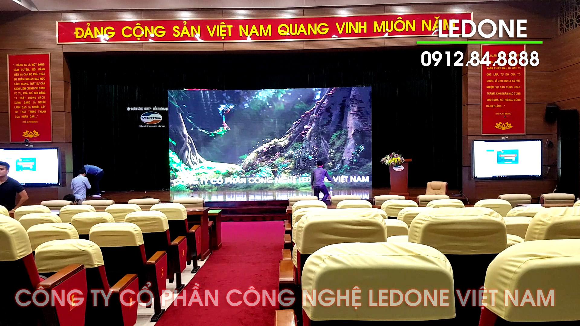 Màn hình LED hội trường, phòng họp